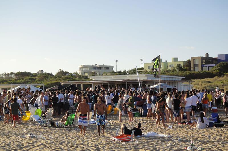 Playa Bikini: Veja fotos da praia mais bonita de Punta del